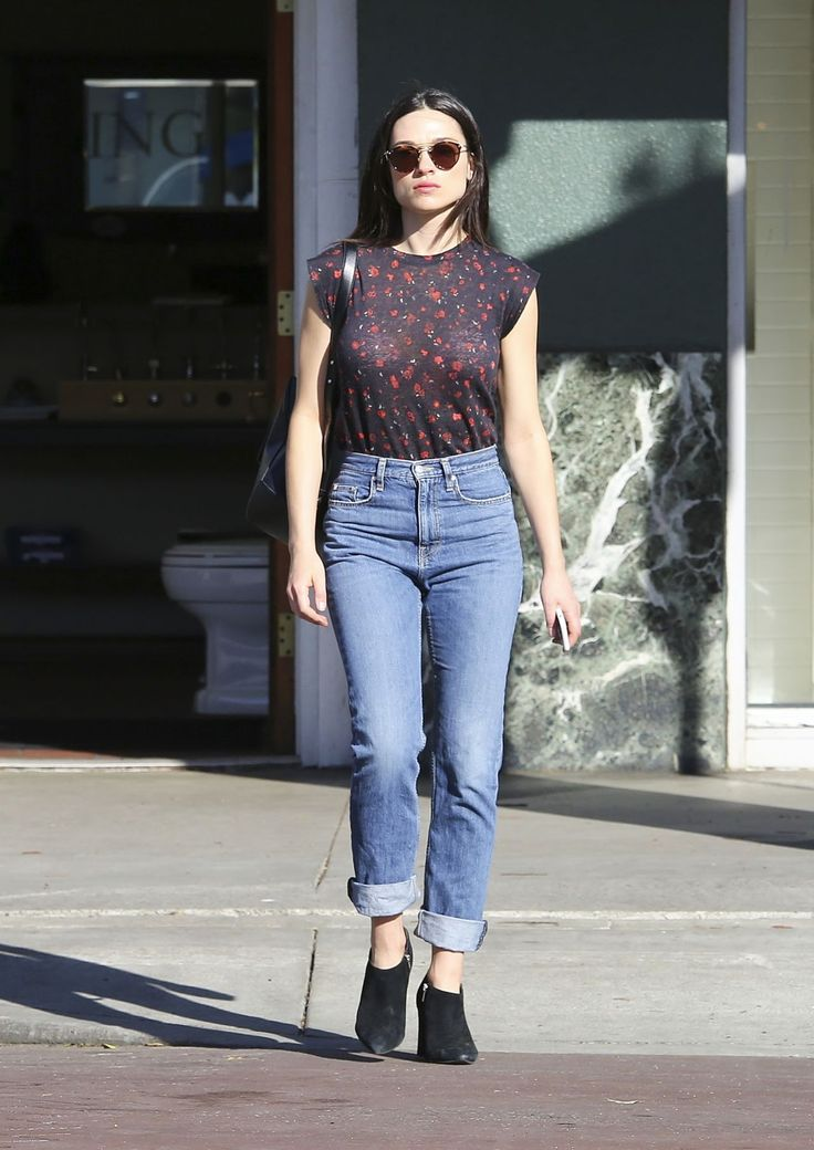 crystal-reed-in-casual-attire-los-angeles-3-7-2017-2.jpg (1280×1810)