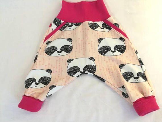 Retrouvez cet article dans ma boutique Etsy https://www.etsy.com/fr/listing/567519048/pantalon-sarouel-bebes-enfant