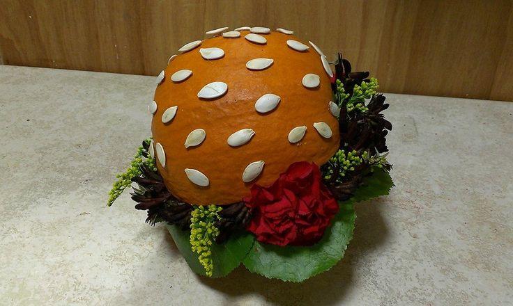 Halloween `burger` arrangement