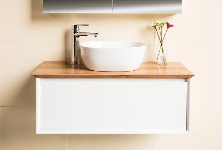 bathroom trends 2016 - elevandiluu, kreem, valge, hele puit.