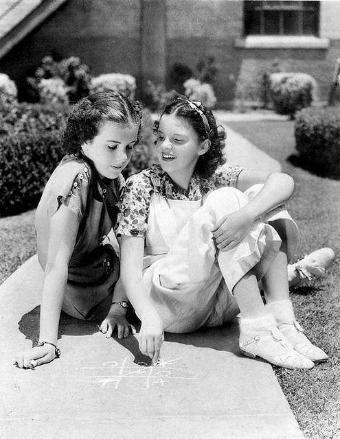 Deanna Durbin and Judy Garland, Judy and Edna...laughs it's really funny to hear Judy call Deanna by her given name...(Edna)