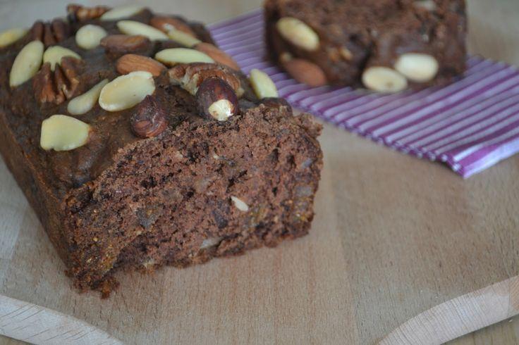 Dit gezonde Banaan-choco speltbrood is gebaseerd op een recept van Amber Albarda. Het zit boordevol voedingsstoffen en is ook nog eens heerl...