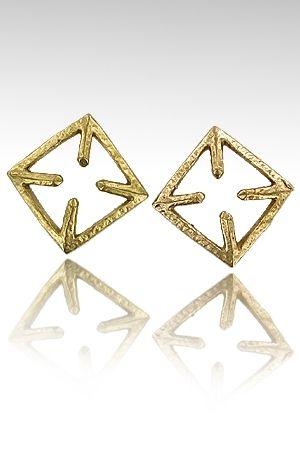 Parure de seins CrossNip en bronze de haute qualité.  Ces bijoux carrés de 3 cm côté offrent une ouverture de 1 cm afin de laisser dépasser le téton.
