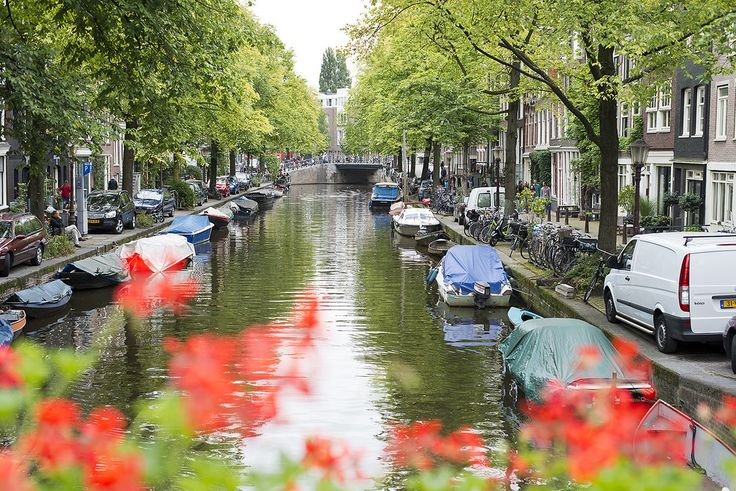 Book Best Amsterdam Holiday Deals and Cheap Holiday Packages for your last minute low cost holidays to amsterdam with http://www.BookIt-Now.co.uk ---   0203 598 4727