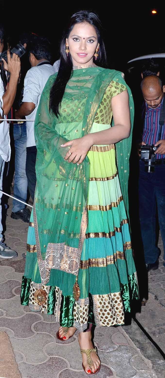 Neetu Chandra at Nikhil Advani's birthday bash #Bollywood #Fashion