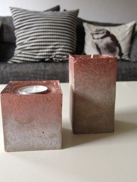 Ein hübsches Team sind die beiden von Hand gegossenen Beton-Teelichthalter mit einem Kupferverlauf.