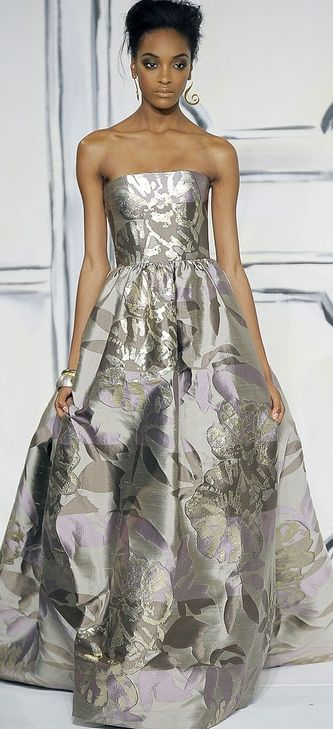 Oscar de la Renta. For the bride who wants to be on the cutting edge...SHS