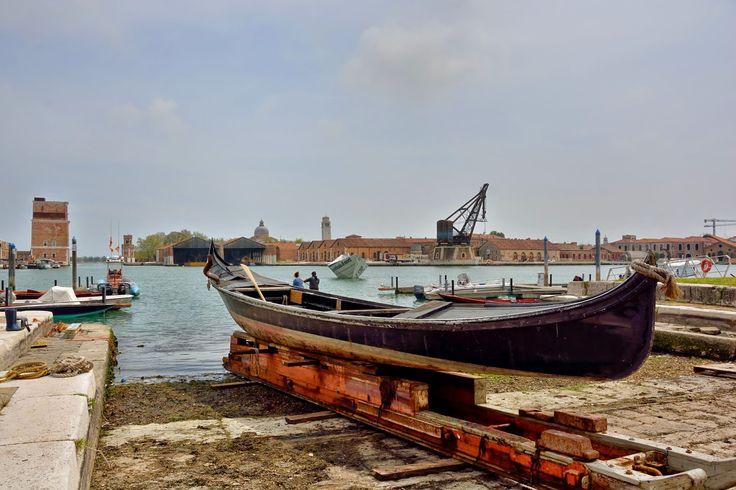 Marina Magro: Venezia - Arsenale aperto alla città