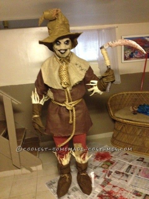 Scary Scarecrow Costume... This website is the Pinterest of costumes