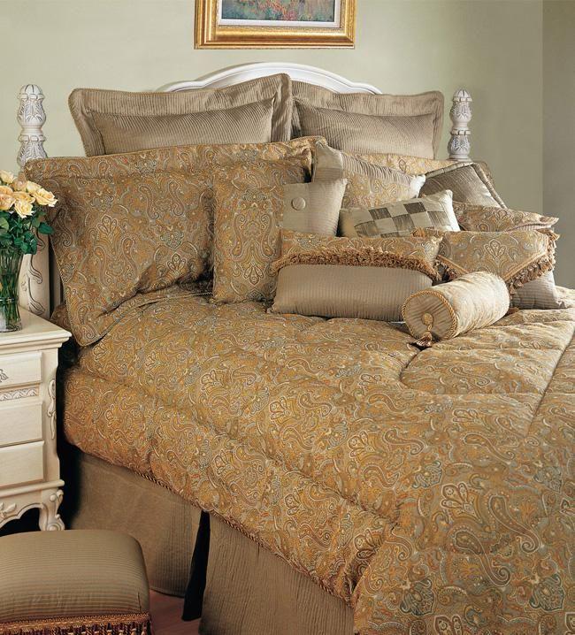 ТОНКИЙ БАЛАНС  Английский стиль в интерьере предполагает гармоничное соединение помпезности и утонченной сдержанности. Для него характерна натуральная теплая цветовая гамма: сочетание бежевого, коричневого, цвета слоновой кости, охры и бронзы.
