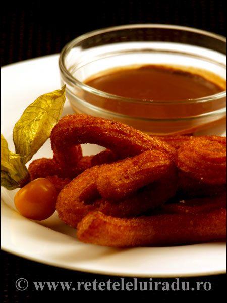 Churros este un preparat pe baza de aluat oparit, tras prin pos si prajit in ulei. Se pot prepara churros ca desert, sau gustare, acompaniate de sosurile potrivite respectivei posturi.