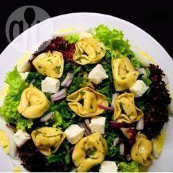 Salada de tortellini com ovos @ allrecipes.com.br