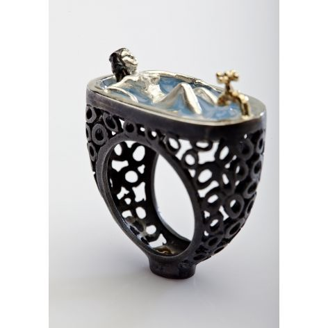 Cool 'Relax Ring' by Selda Okutan at Bottica.com - loved this unusual jewelry site!