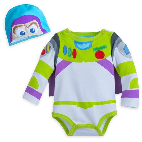 Your baby will create smiles to infinity and beyond in this costume bodysuit featuring Buzz Lightyear. The costume includes an adorable hat and even has soft little wings.