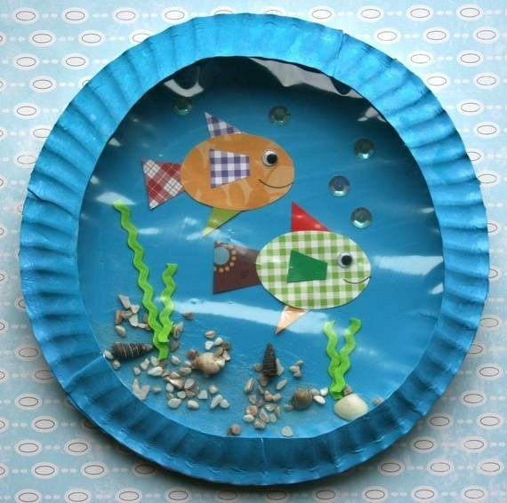 """Paper Plate Aquarium Multi-sensory project for teaching the """"sh"""" digraph.  Incorporate science and teach the difference between cold-blooded and warm-blooded animals.  Turn your classroom bulletin board into an under water scene!"""