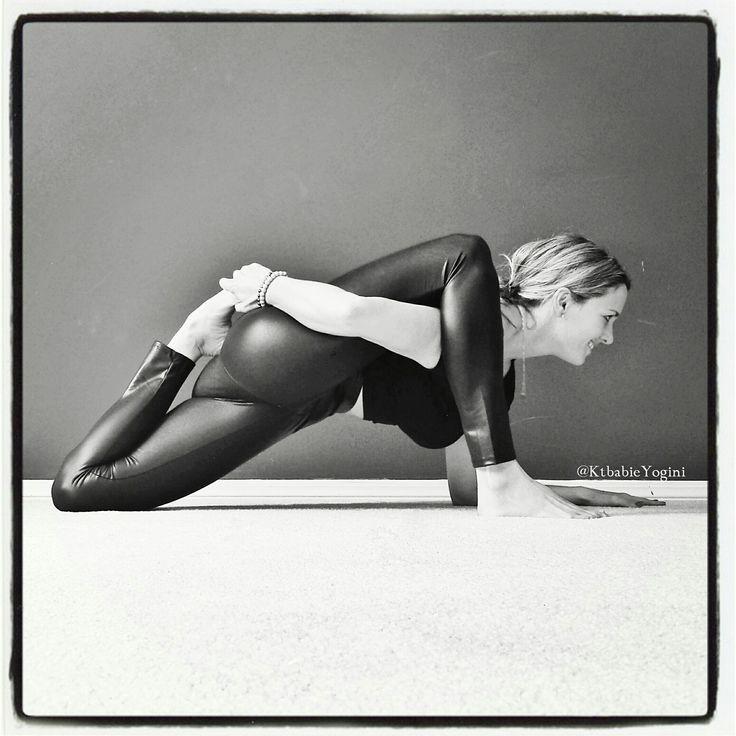 lizard pose with a bind by @KtbabieYogini » Yoga Pose Weekly