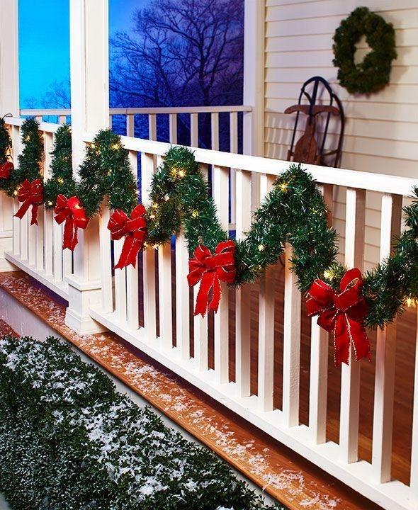 Adorable Christmas Porch Decoration Ideas 33