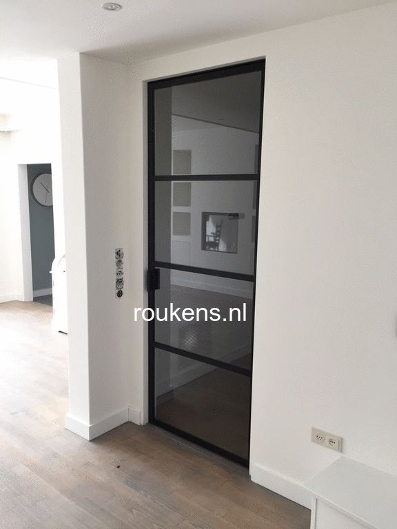 Deuren  Stalen binnendeur in Brabant  Deur woonkamerhal