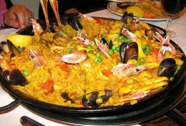Paella valenciana, la ricetta originale di pesce