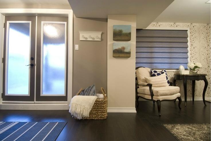 Best 25+ Apartment Entrance Ideas On Pinterest