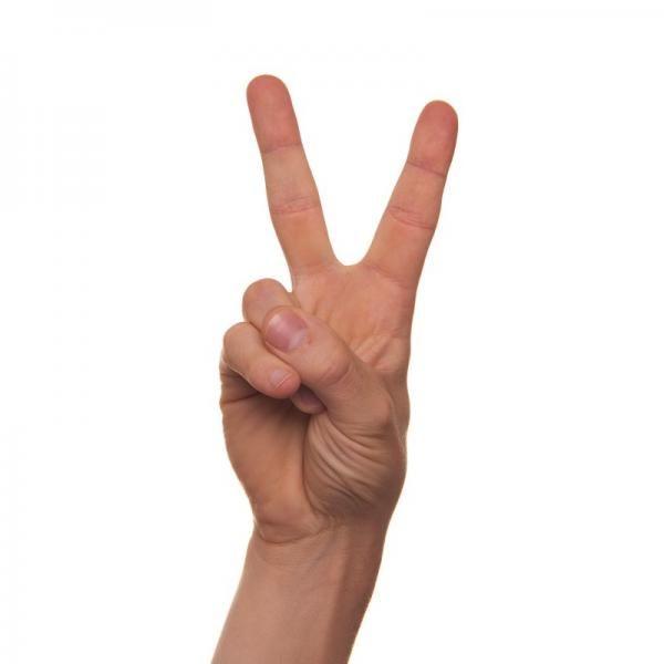 Significado De Los Gestos Con Las Manos Levantar El Dedo índice Y Corazón De Una Mano Haciendo Una V Signo De La Paz Manos Y Pies Hacer Señales