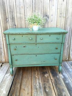 BEFORE + AFTER | dresser | Miss Mustard Seeds Milk PaintMiss Mustard Seeds Milk Paint