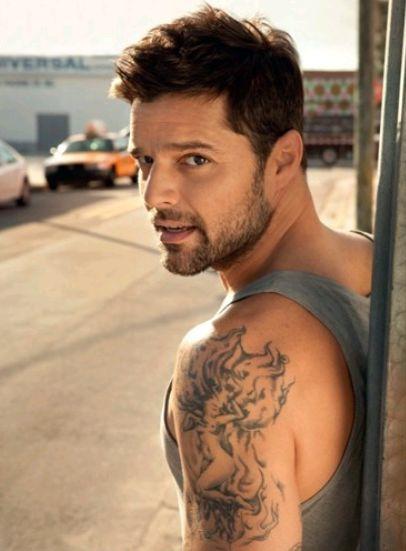 Top 5 Cantantes mas Lindos 2) Ricky Martin