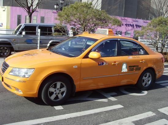 【首尔地铁图中文版】在首尔如何避免出租车拒载,这是首尔某位出租车司机亲口说的哦,下这次去首尔的时候牢记了这个方法,果然一次拒载都没有遇到。 1)拦住出租车以后,先不要管三七二十一,直接上车,就算是司机摇起窗户问,也直接无视 2)上车以后,入座,前排乘客系上安全带,然后直接说目的地。亲学会了吗?http://www.hanguoyou.org/public/traffic/main/2