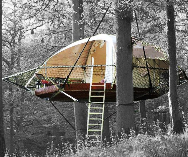 Become one with nature without having to endure all the hardships that come with it by seeking shelter in the tree cabin tent. The bold suspended design keeps you safe from potential threats while providing a breath-taking 360 degree view of your surroundings.