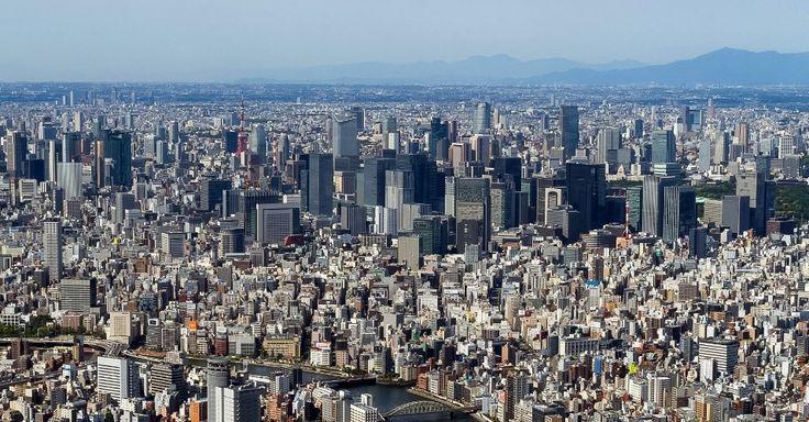 Tokyo Skytree (Tóquio, Japão): O impressionante cenário urbano de Tóquio visto desde o observatório turístico da torre Tokyo Skytree, uma das atrações turísticas da capital japonesa