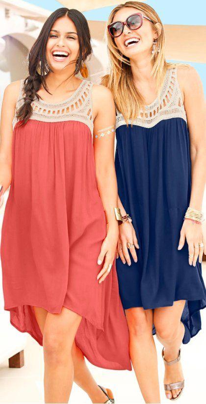Žena - Šaty s háčkovanou krajkou: Must Have - pískovo-půlnočně modrá