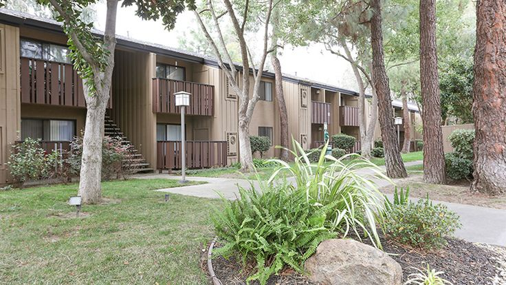 Welcome to your next escape in #California! The Falls at Arden is a beautiful garden-style apartment community located in the Campus Commons neighborhood of #Sacramento. Our welcoming community features spacious studio, one bedroom, and two bedroom #apartments each with private balconies and covered parking.