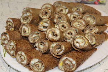 Рулетики из печеночных блинчиков