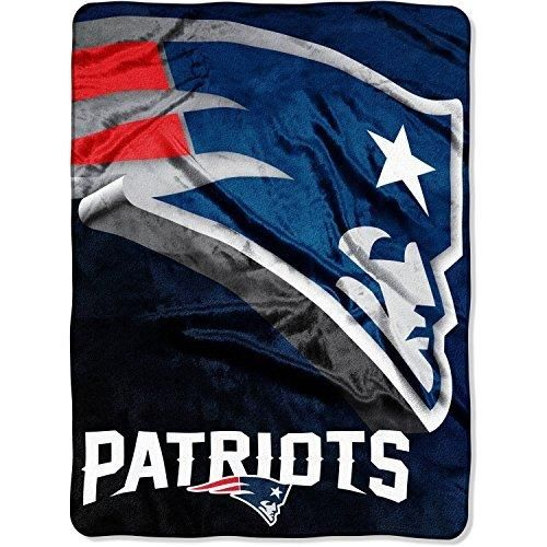 NFL Patriots Throw Blanket 60 X 80 Football Themed Bedding Sports Patterned Team Logo Fan Merchandise Athletic Team Spirit Fan Nautical Blue White Red New Century Silver Polyester