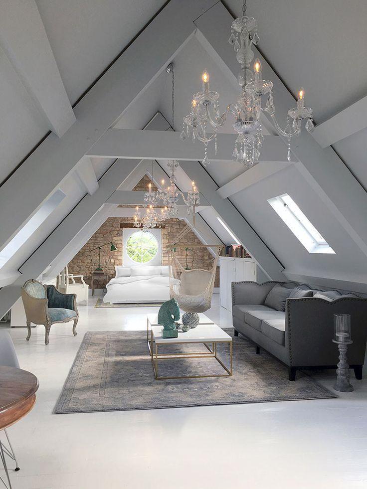 """""""GLAMBARBIE"""" ein Schlafzimmer im Dachgeschoss"""