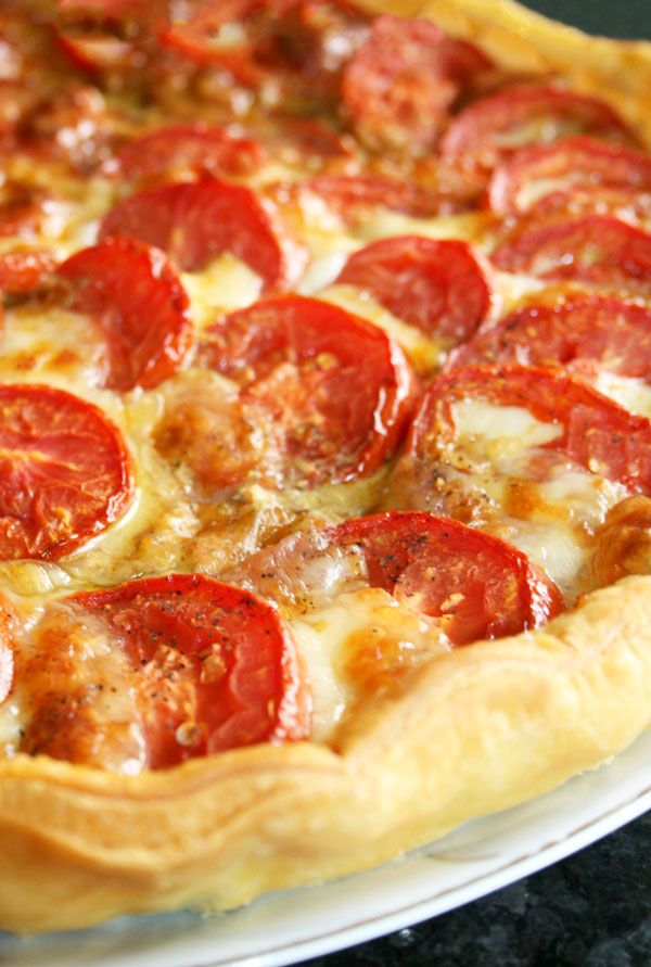 Looking for the Perfect Summer Recipe? Roasted Tomato Pie with Pesto & Mozzarella. CLICK HERE to Get the Recipe