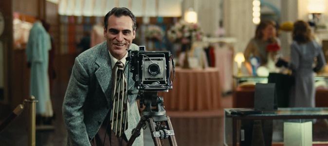 """5 raisons d'aimer Joaquin Phoenix  Son rôle dans """"The Master"""" de Paul Thomas Anderson pourrait bien lui valoir un Oscar"""
