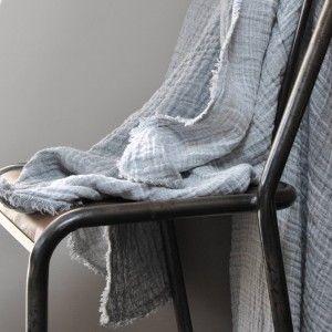 """Plaid 100% Linen """"gauffré"""" - Le Repère des Belettes. Beautiful grey linen"""