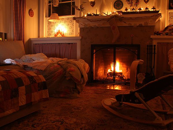 Fireside | Posie Gets Cozy  #fireplace #livingroom #quilt