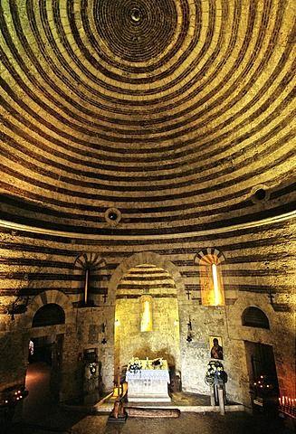 techo abovedado de Capella di San Galgano, Capilla de Montesiepi cerca de Chiusdino, Provincia de Siena, Toscana, Italia, Europa