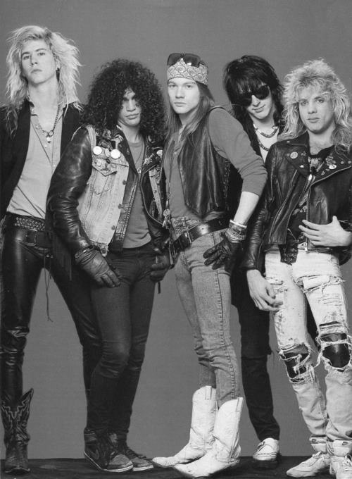 The old 'very good' Guns N Roses. Guns N' Roses is an American hard rock band formed in Los Angeles, in 1985. The classic lineup as signed to Geffen Records in 1986 consisted of vocalist Axl Rose, lead guitarist Slash, rhythm guitarist Izzy Stradlin, bassist Duff McKagan, and drummer Steven Adler.