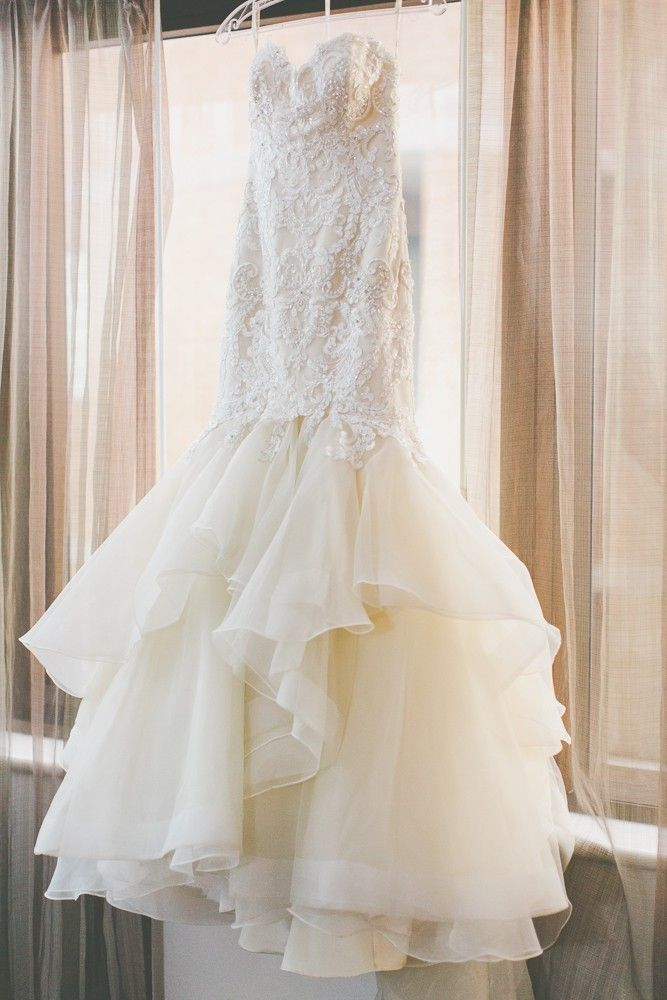 XX MAGGIE SOTTERO 2016 MALINA WEDDING DRESS SIZE 6-8   This elegant Maggie Sottero Malina wedding dress was only released in June, 2016 for my wedd...