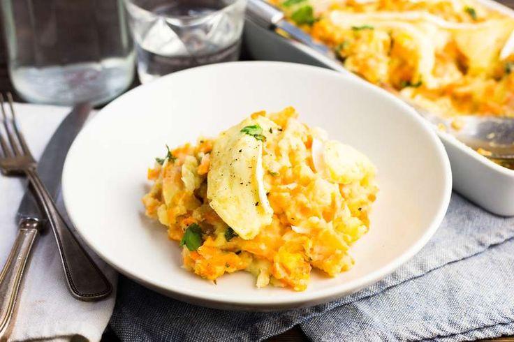 Recept voor hutspot voor 4 personen. Met zout, boter, water, peper, aardappel, hutspot, brie, zoete aardappel en koriander