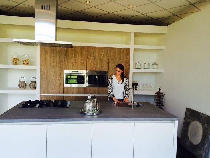 Leicht Keuken Met Betonnen Fronten : ... wit met hout. #bakkerpostma ...