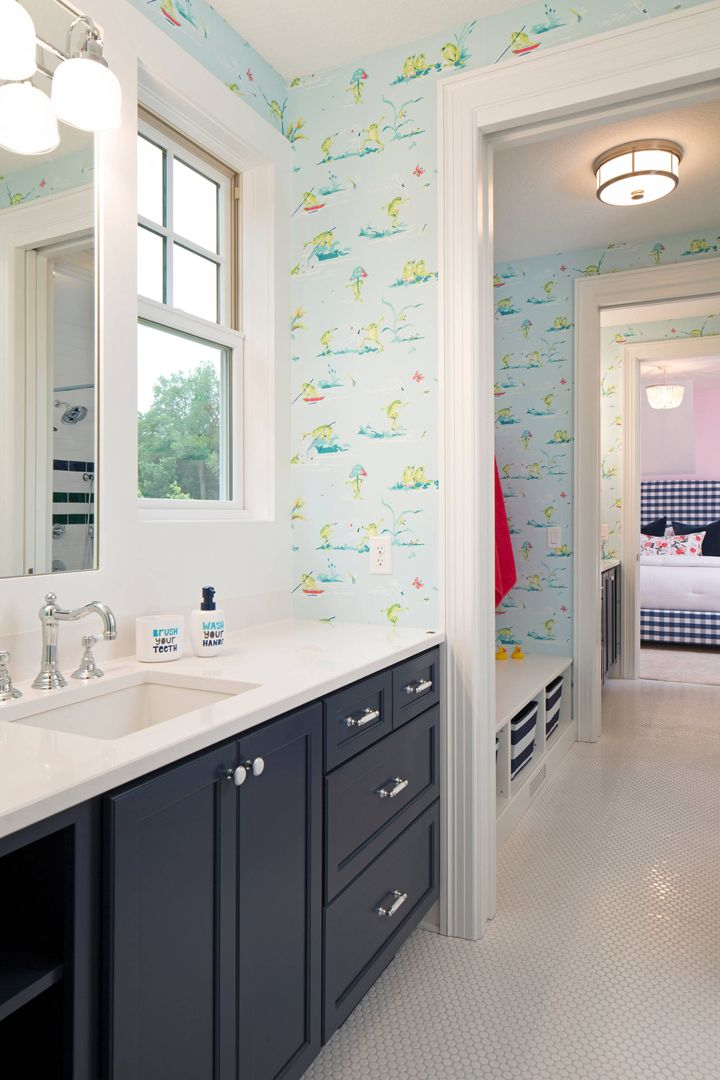 17 best images about wallpapered bathroom on pinterest house of turquoise trellis wallpaper for Bathroom construction
