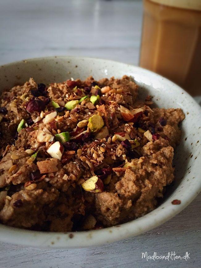 LCHF-morgengrød med kakao-mokka-smag --> madbanditten.dk