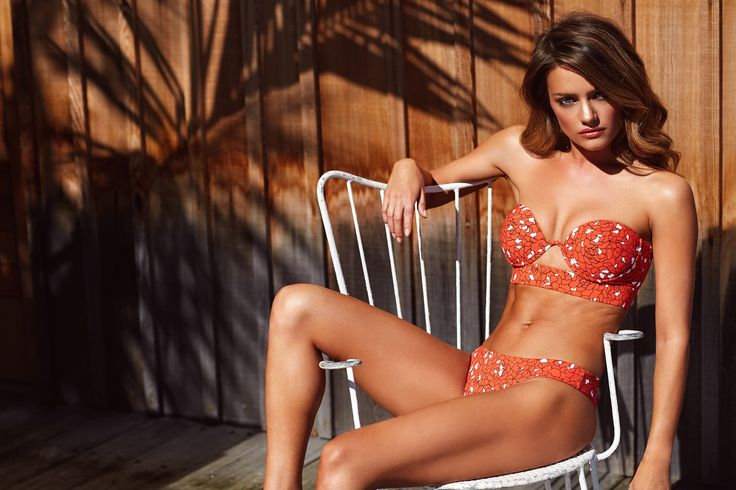 https://www.kookai.com.au/products/sorrento-bikini-top-allegra?variant=27031534785