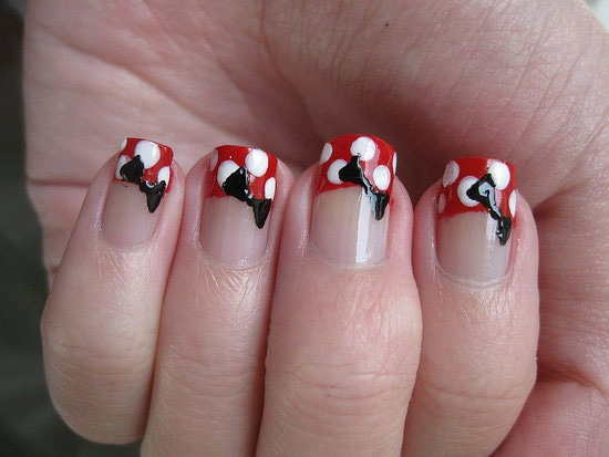 Match this manicure to your Minnie Mouse nails