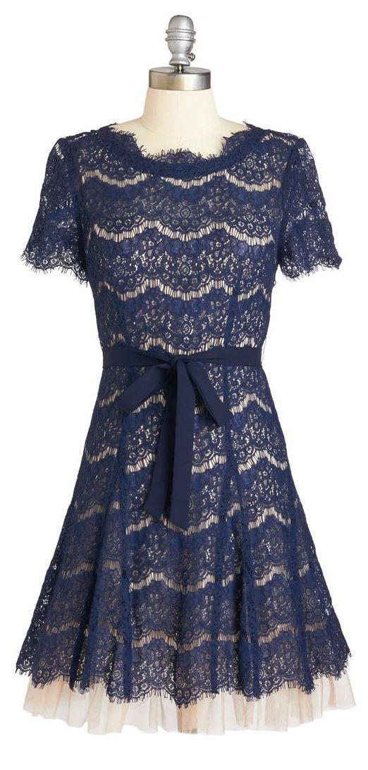 #Scalloped #lace #dress