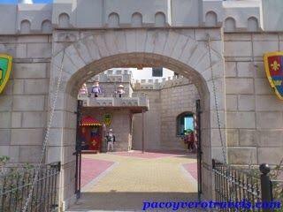 Entrada al castillo #playmobil #malta http://www.pacoyverotravels.com/2013/10/playmobil-funpark-malta-viajar-con-ninos.html